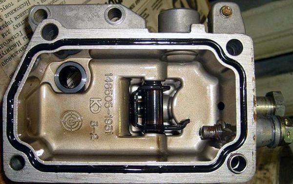Разборка дизельного ТНВД распределительного типа 4D56/4M40