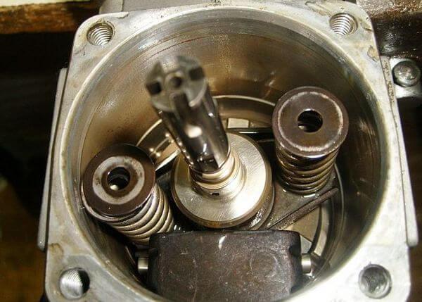 Плунжер клапана автомата опережения впрыска на дизельном ТНВД