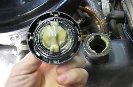 Эмульсия в двигателе