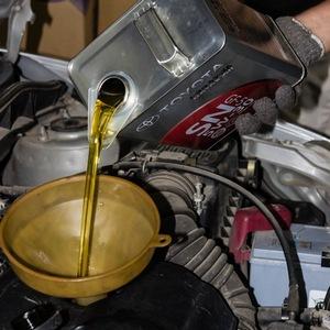 Замена масла в двигателе Toyota Corona/Caldina