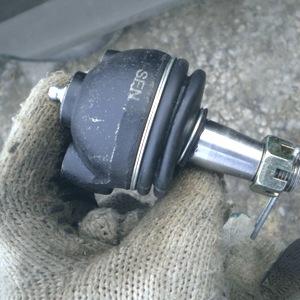 Замена шаровой опоры Hyundai Starex/H-1