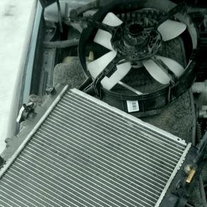 Замена радиатора Mazda Verisa
