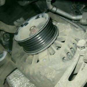 Замена генератора Mazda 2/Verisa
