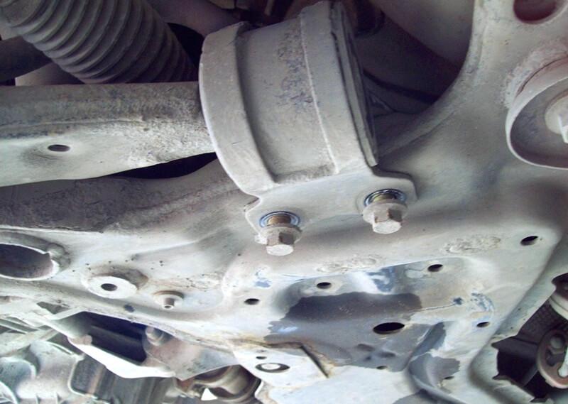 болты крепления заднего сайлентблока рычага Форд Фоку 2