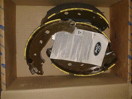 Оригинальные задние барабанные тормозные колодки комфорт Фокус 3 1385735