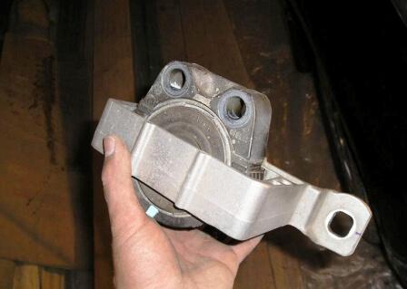 Опора двигателя Форд Фокус 2