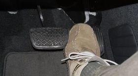 При торможении машина тормозит рывками: причины, что это может быть?