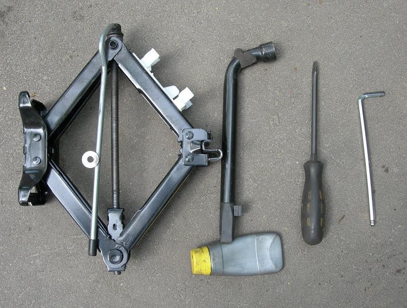 инструмент для замены тормозных колодок на Ford Focus 2