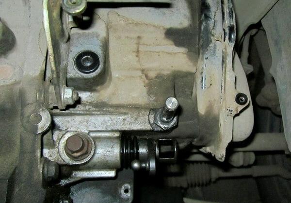 снятие рычага переключения передач на Форд Фокус 2