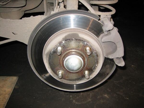 суппорт задних тормозных колодок Ford Focus 2