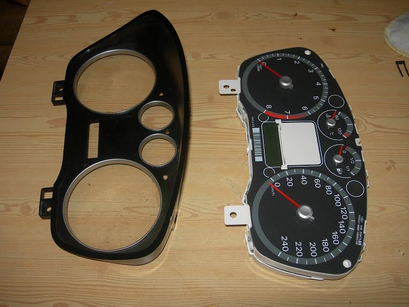 Разборка панели приборов Ford Focus 2