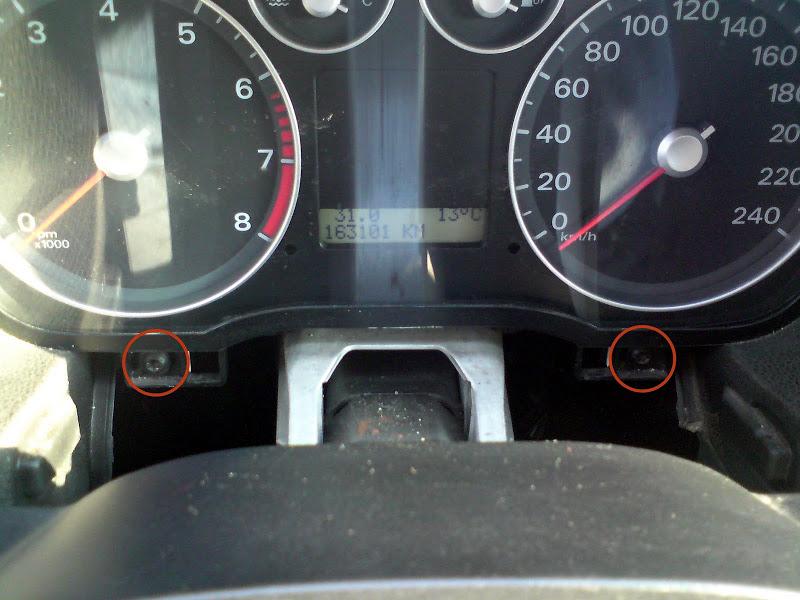 Винты крепления панели приборов Ford Focus 2