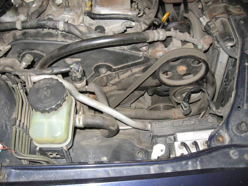 Снятие ремня ГУ Toyota