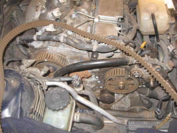 Снятие ремня ГРМ Toyota Corolla e110