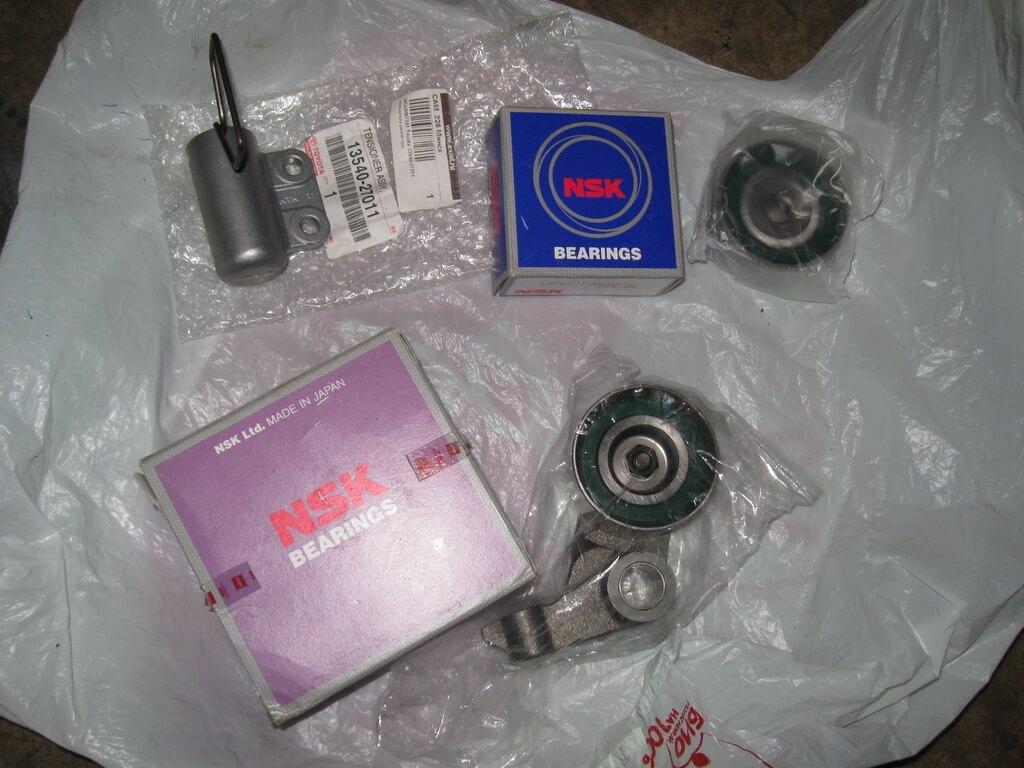 Ролики NSK и натяжитель Toyota
