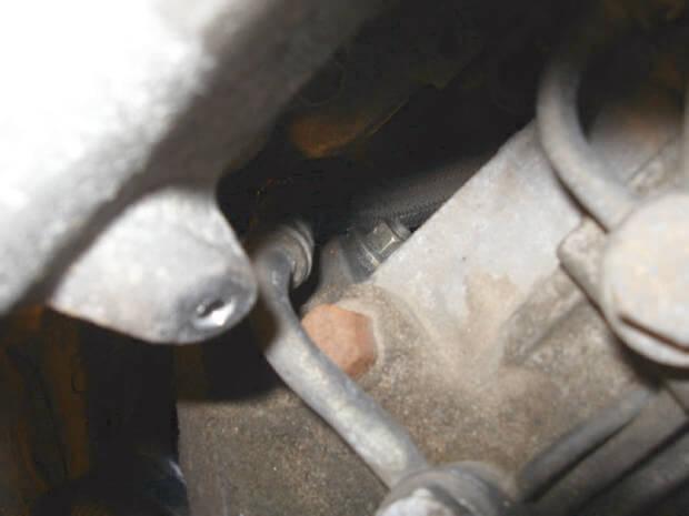 гайка крепления тнвд на Toyota Corolla e110