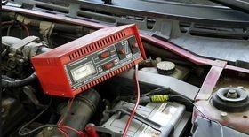 Как заряжать аккумулятор автомобиля правильно