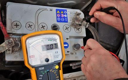 Допустимая утечка тока аккумулятора автомобиля