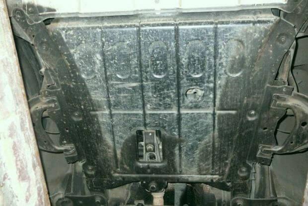 Защита двигателя Рено Дастер