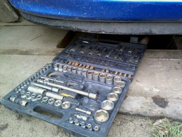 набор ключей чтобы снять стартер на Пежо 307