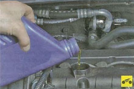 Как поменять масло двигателя и масляный фильтр на Форд Фокус 3