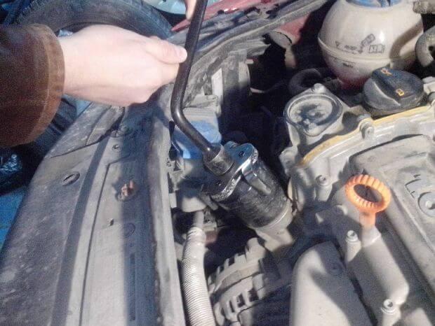 замена масла двигателя Поло седан