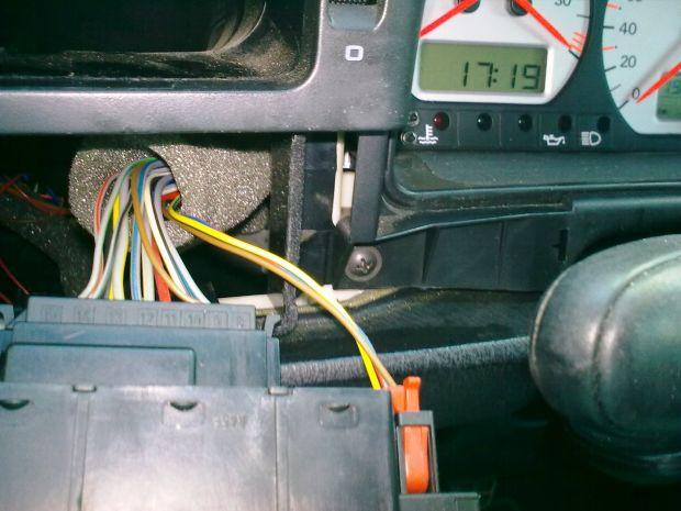 Замена лампочки в приборной панели Фольксваген Пассат Б4
