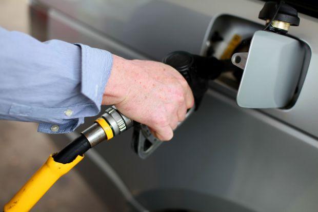 Заправка бензина Лада Гранта