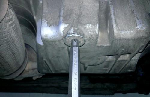 сливная пробка двигателя Шевроле Круз