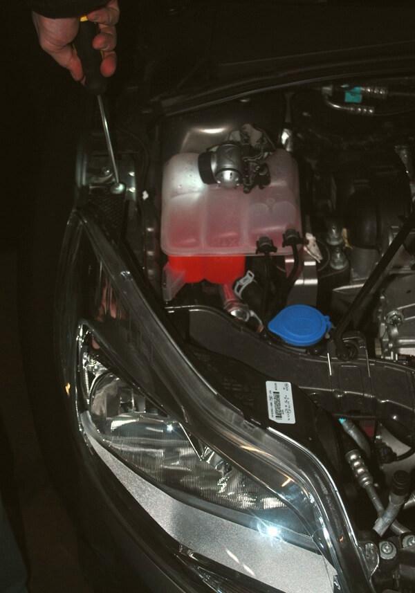 Замена лампы ближнего света на форд фокус 3