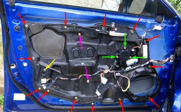 снятие внутренней карты передней двери Mazda 6