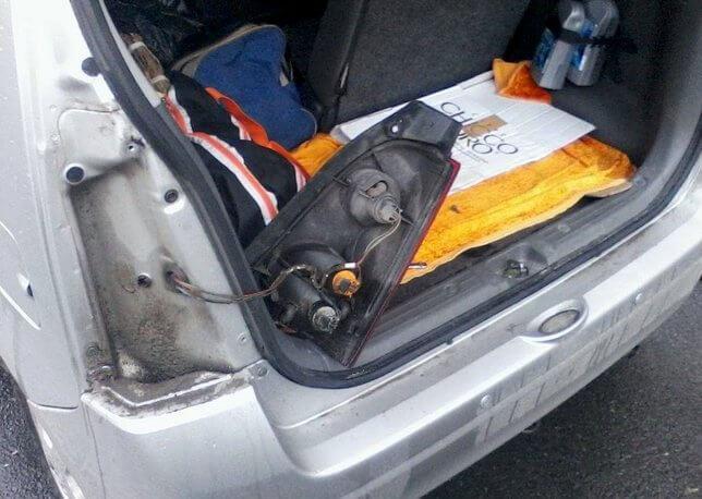 снятие/замена задней фары Opel Agila