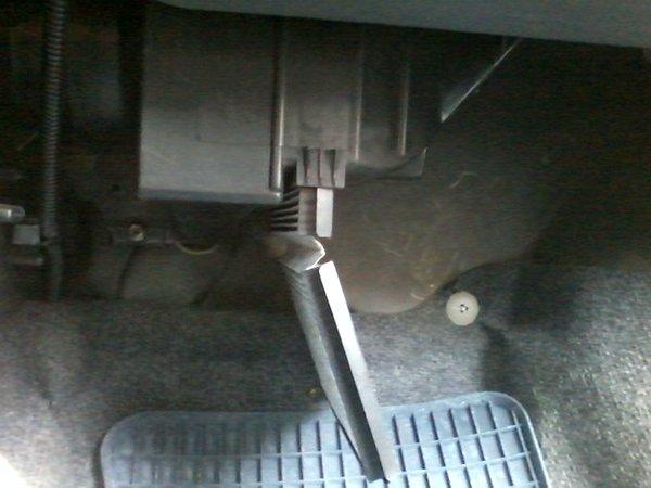 Замена салонного фильтра Opel Agila A