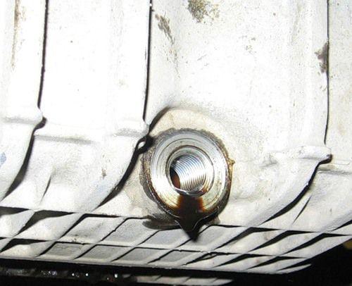 Сливное отверстие масла Форд Фиеста
