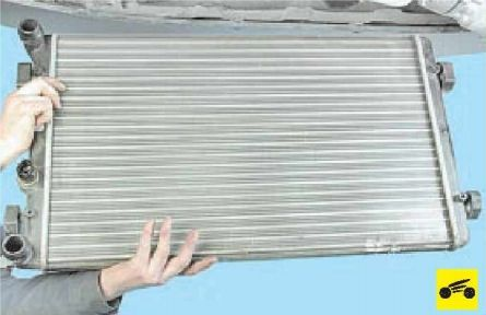 Снятие радиатора Шкода Октавия