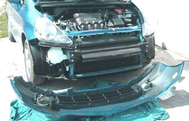 Как снять передний бампер Honda Fit