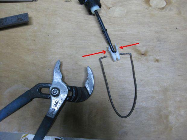 Замена главного цилиндра сцепления на Volkswagen Caddy