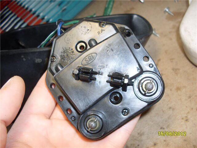электромотор привода зеркального элемента