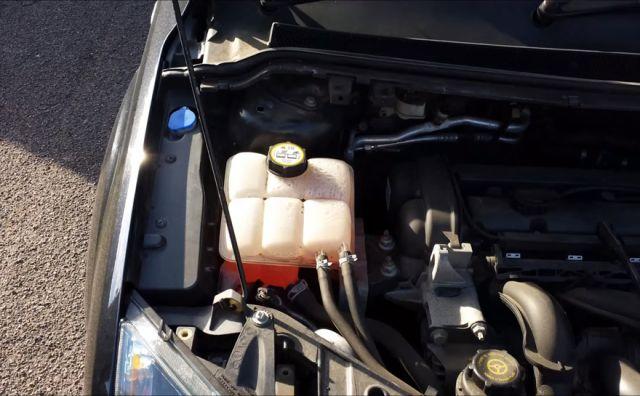 Замена антифриза Форд Фокус 2. Фото, инструкция как поменять охлаждающую жидкость в бачке - Фотоотчёт, 10 фото