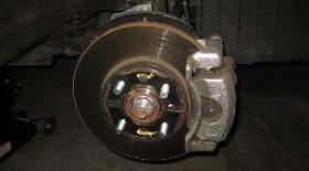 Замена передних тормозных колодок Хендай Солярис. Фото, инструкция как поменять передние колодки Солярис