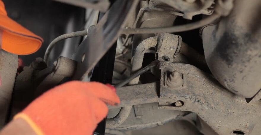 Замена втулок стабилизатора на форд фокус 2 своими руками