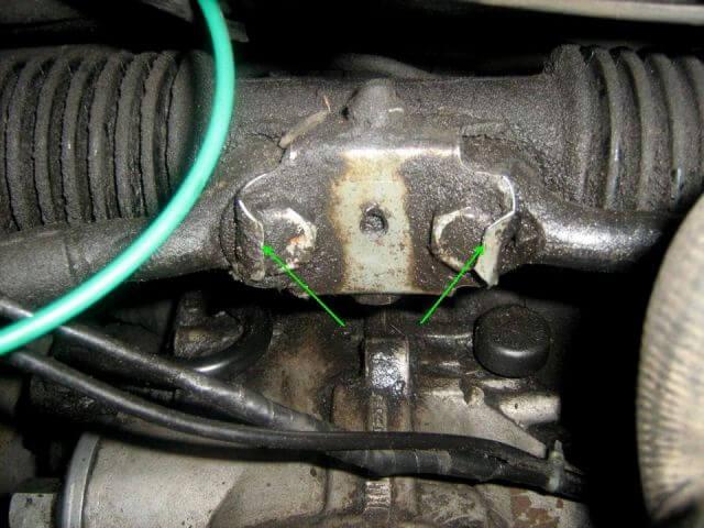 поменять наконечник поперечной рулевой тяги audi 100 2.8
