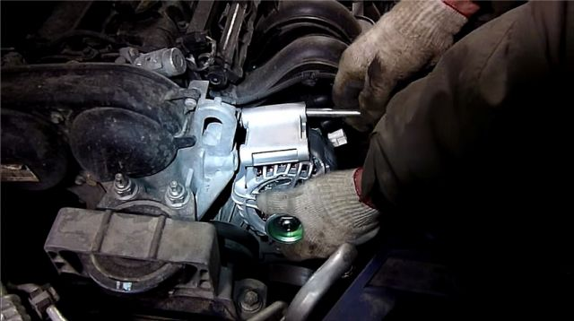 Замена генератора на форд фокус 2 1.6 своими руками