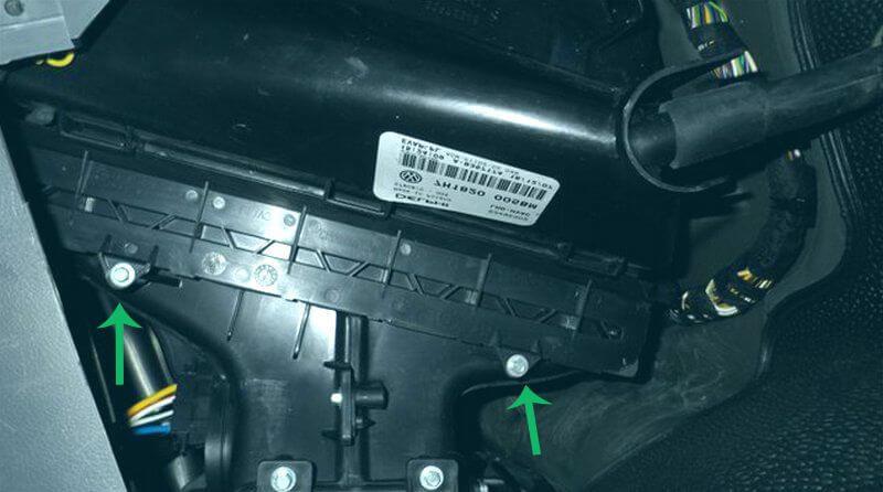 замена салонного фильтра на транспортере т5