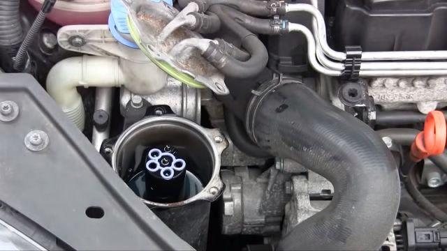 Периодичность замены топливного фильтра и его установка: фото и видео