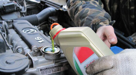volkswagen polo sedan как проверить уровень масла